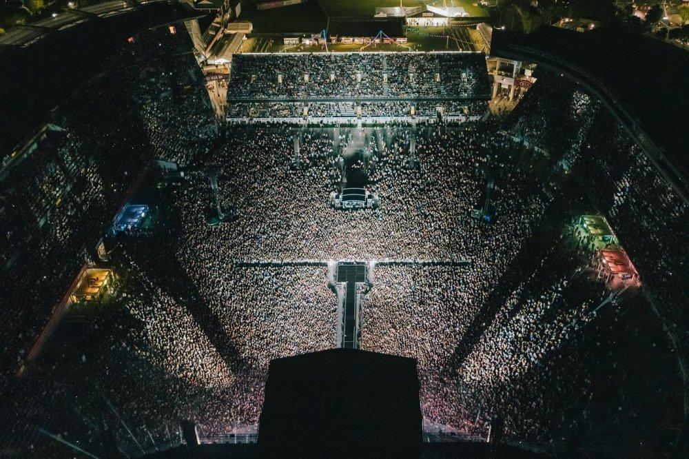 Yeni Zelanda normale dönüyor! 50 bin kişilik konser