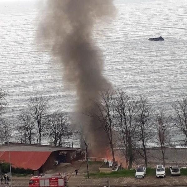 Giresun'da plajda yangın
