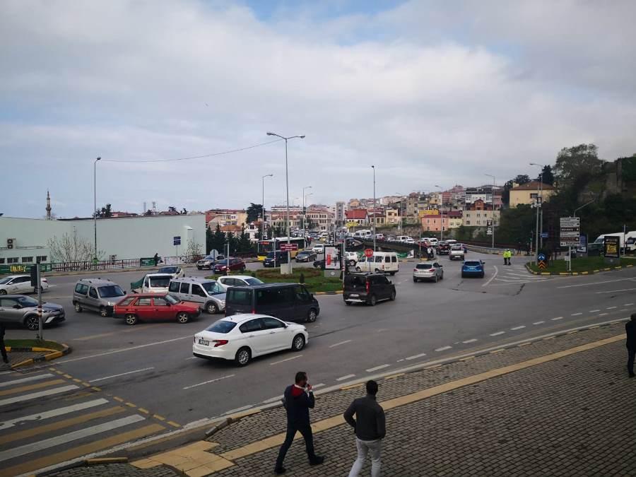 Tam kapanma Trabzon trafiğini vurdu