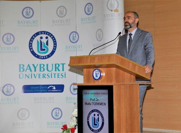 Bayburt Üniversitesinde devir teslim