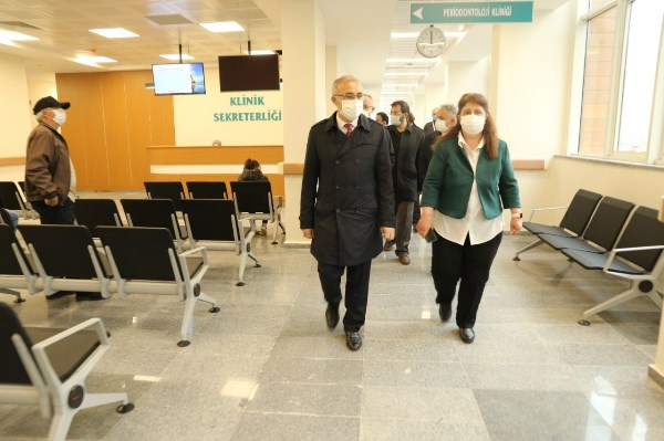 RTEÜ Diş Hekimliği Fakültesi yeni binasına taşındı