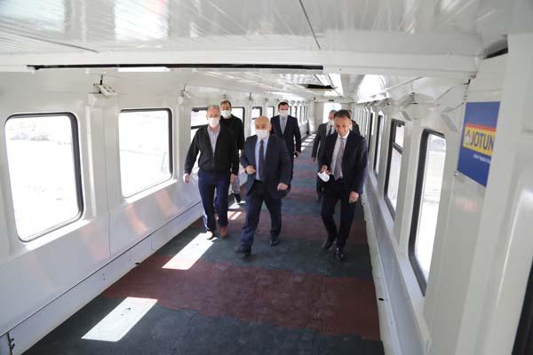 Tren vagonundan gönül köprüsü kurdular