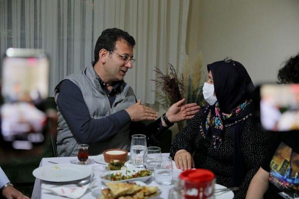 """İmamoğlu'ndan Hanife Ayhan'a dua: """"Senin sofran demokrasiye uğurlu geldi"""""""