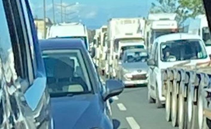 Tam kapanmada yol çalışması trafiği kilitledi