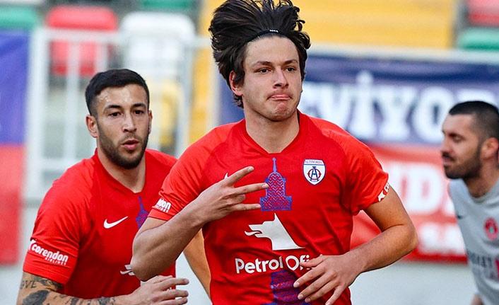Trabzonspor iki genç futbolcuyu istiyor