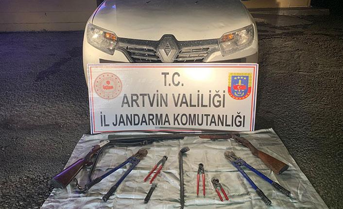 Artvin'de 13 hırsız jandarmanın takibiyle yakalandı