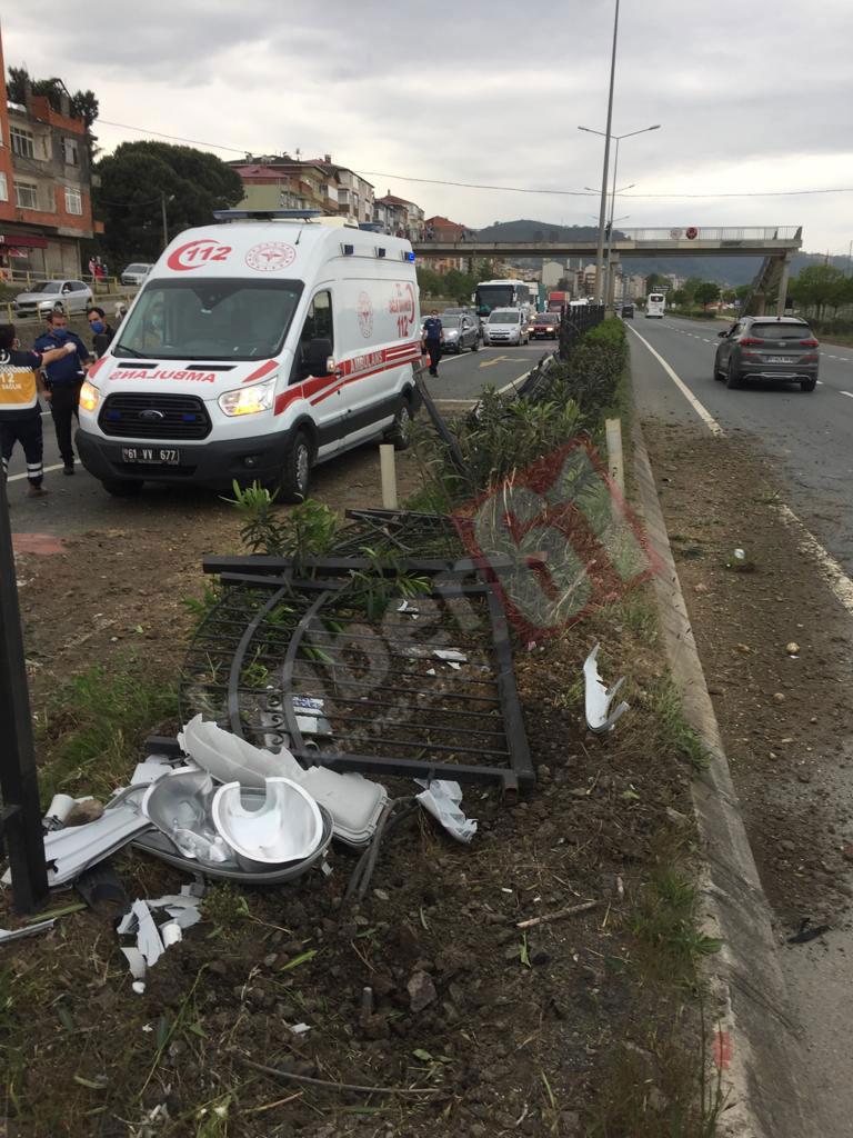 Trabzon'da hasta taşıyan nakil ambulansı karşı şeride geçti! 4 yaralı