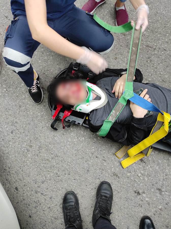 Trabzon'da otomobil yayaya çarptı! 1 yaralı