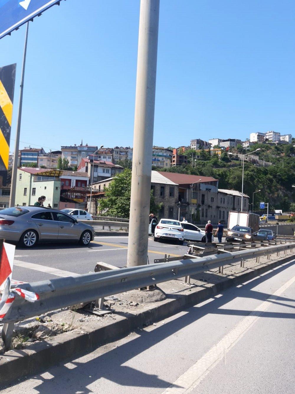 Trabzon'da 4 araç kazaya karıştı: 1 yaralı