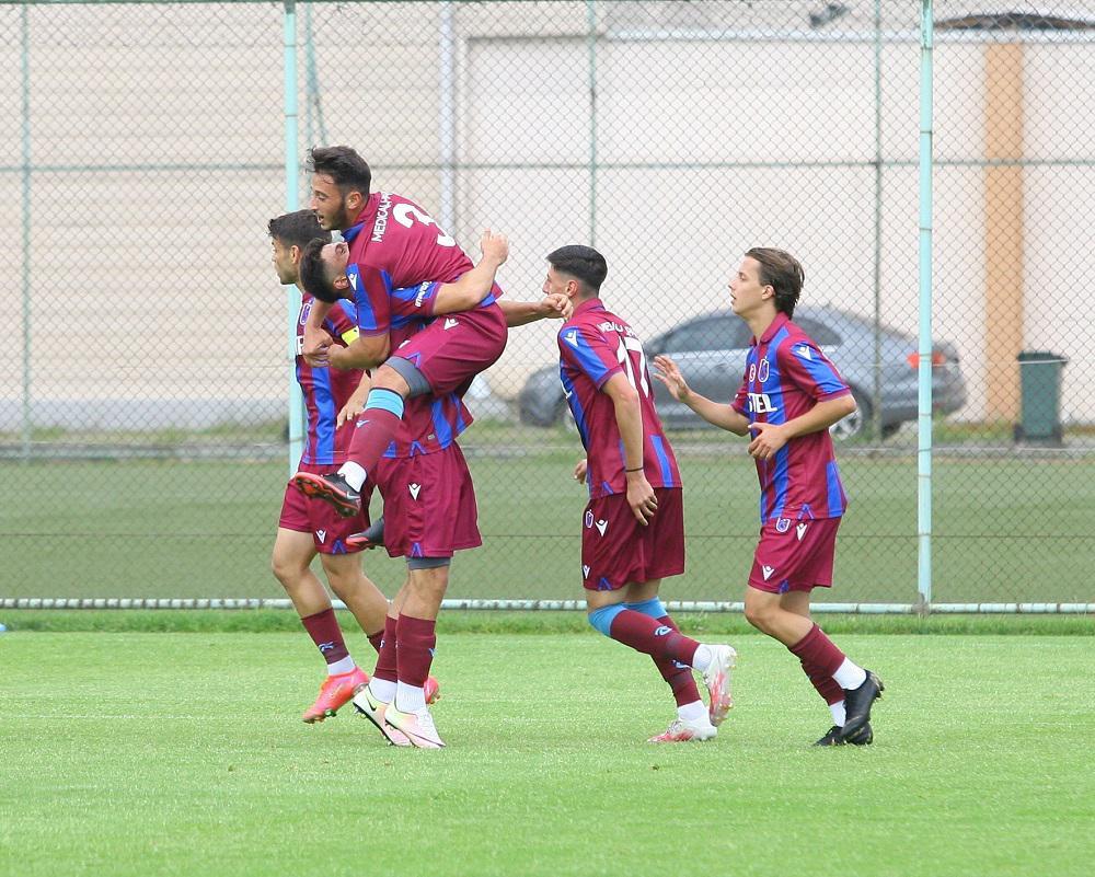 Trabzonspor Beşiktaş'a fark attı