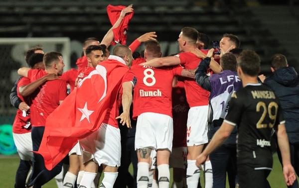 Yusuf, Burak ve Zekili Lille şampiyon oldu