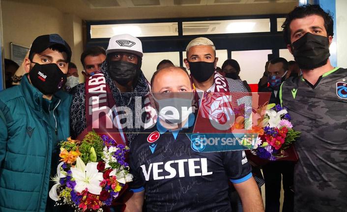 Trabzonspor'un yeni transferleri Gervinho ve Peres Trabzon'da