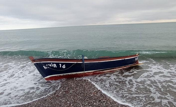 Karadeniz'de kayık alabora oldu