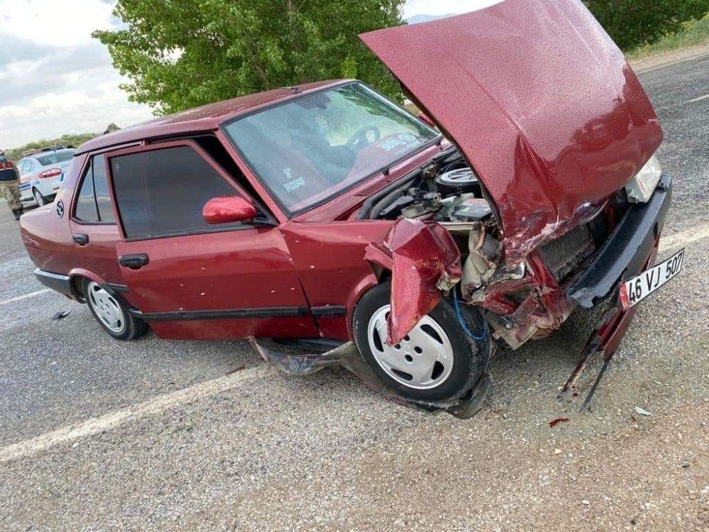 Askeri araç kaza yaptı: 6 yaralı