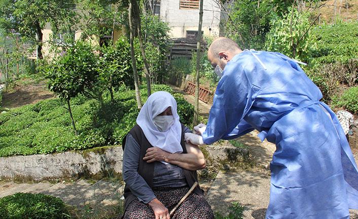 Çay bahçelerinde aşı seferberliği
