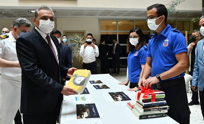 Samsun'da cezaevi kütüphanesi için ilk kitaplar bağışlandı