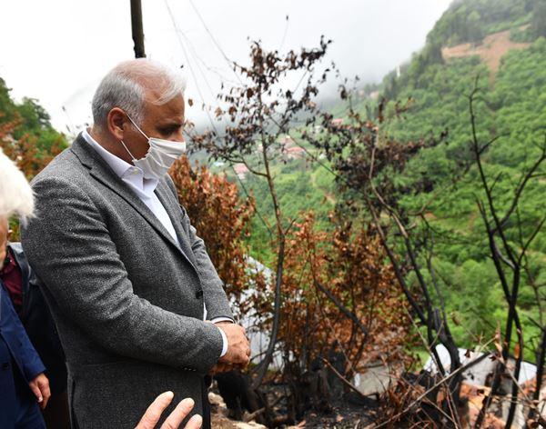 """Başkan Zorluoğlu yangın bölgesinde! """"El birliği ile yaralarınızı saracağız"""""""