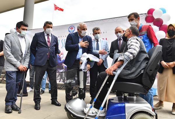 Trabzon'da 15 engelli aracı sahibine ulaştı