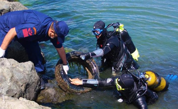 Karadeniz'den sadece 30 dakika içerisinde çıkarılan pislik şaşırttı