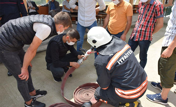 Trabzon'da gönüllü itfaiyeciler eğitiliyor
