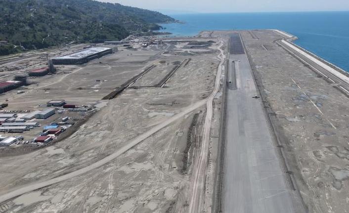 Rize'de havalimanında hedef yıl sonu