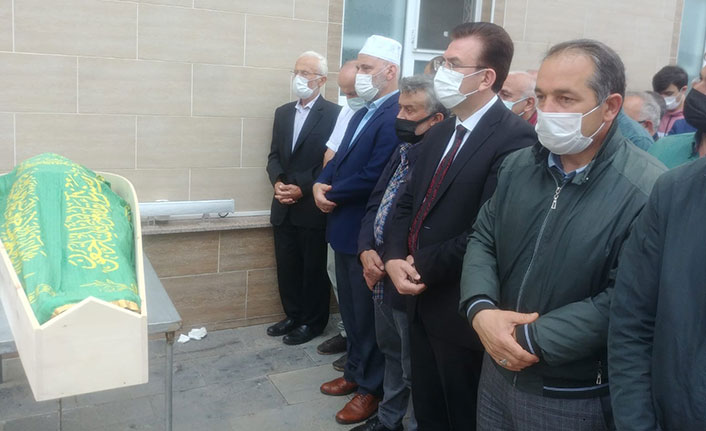 Trabzon'da hayatını kaybeden okul müdürü son yolculuğuna uğurlandı