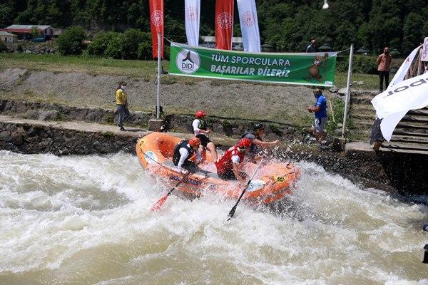 Türkiye Rafting Şampiyonası Rize'de başladı