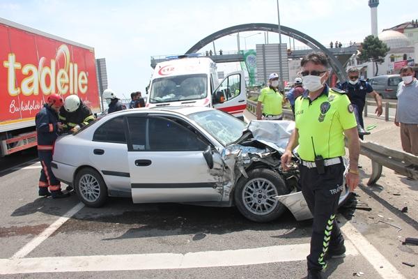 Trabzon plakalı araç kaza yaptı! 6 Yaralı