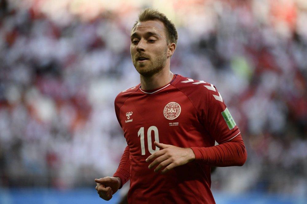 Danimarka Finlandiya maçında korku dolu anlar! Kalp masajı yapıldı