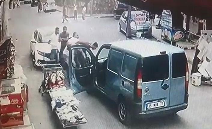 Kiraladığı otomobille kaza yaptı, meydan dayağı yedi