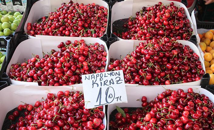 Meyve fiyatları cep yakıyor