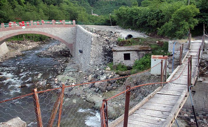yıkılan tarihi kemer köprü yenilendi