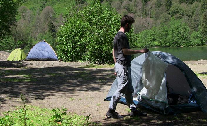 Yasaklar kalktı, kampçılar rotayı Karagöl'e çevirdi