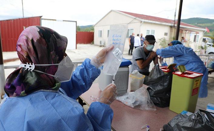 """Belediye personeli """"yerinde aşı uygulaması"""" ile aşılandı"""