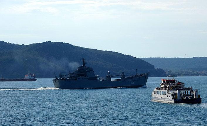 Rus savaş gemisi rotasını Karadeniz'e çevirdi