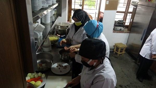 Trabzon'da Süleymaniye çorbasını öğreniyorlar