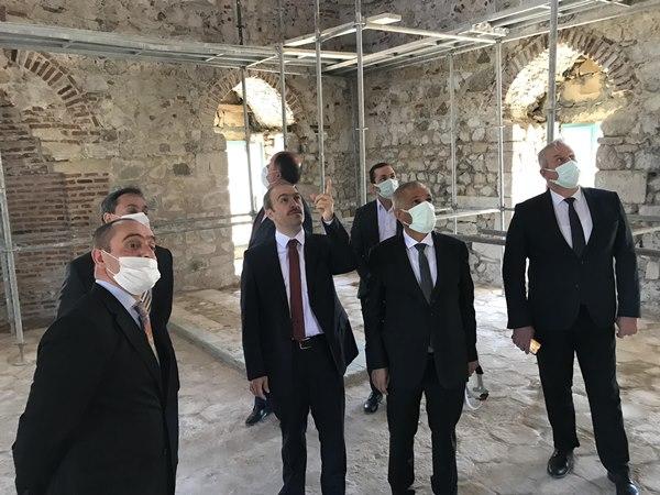 Bayburt'taki tarihi caminin restorasyonda hedef yılsonu