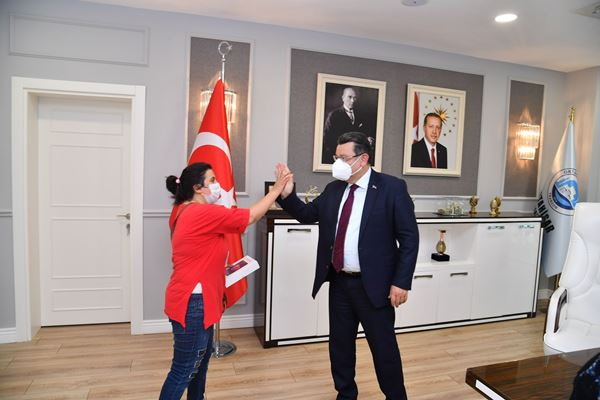 Trabzon'a Gözdenur'un tablet sevinci!