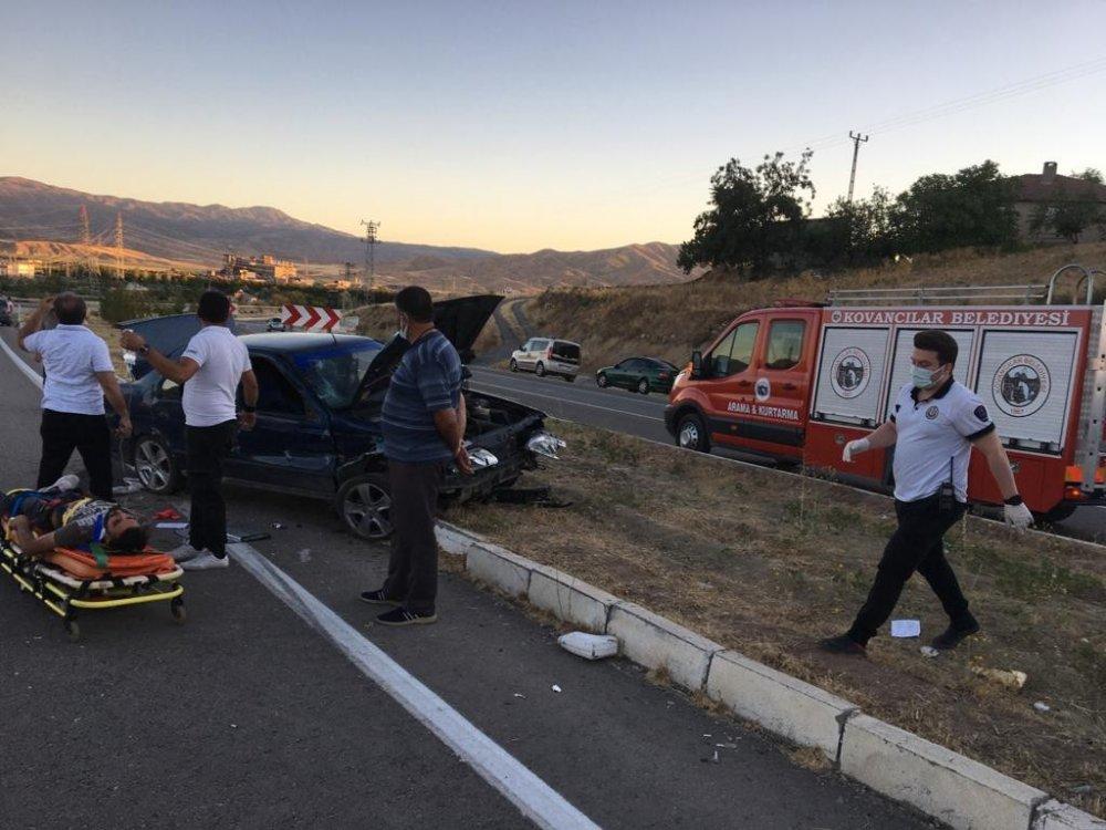 Elazığ'da trafik kazası: 5 yaralı