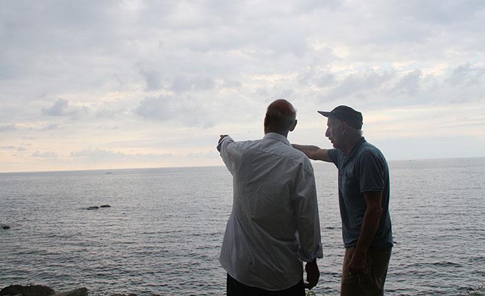 Günlerdir kıyıda Karadeniz'in babasını geri vermesini bekliyor