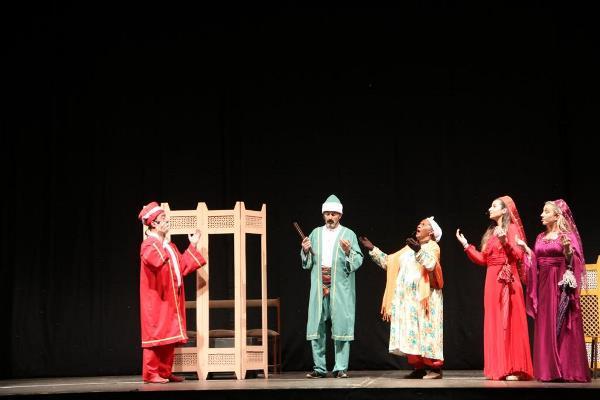 """Osman Nuri Ekim: """"Tiyatro, gönüller arasında bağ kurar"""""""