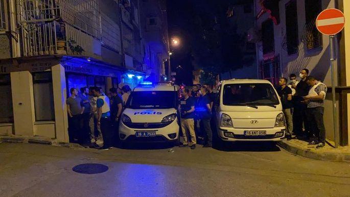 Rehine krizi: Kız kardeşlerini rehin aldı, polise ateş açtı