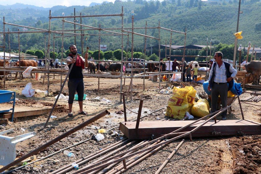 Trabzon'da Kurban pazarında bayram yoğunluğu