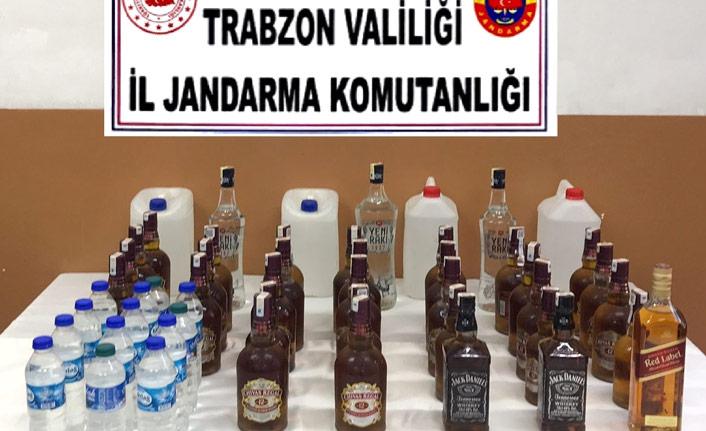 Trabzon'da su şişelerine saklanan sahte içkiler yakalandı