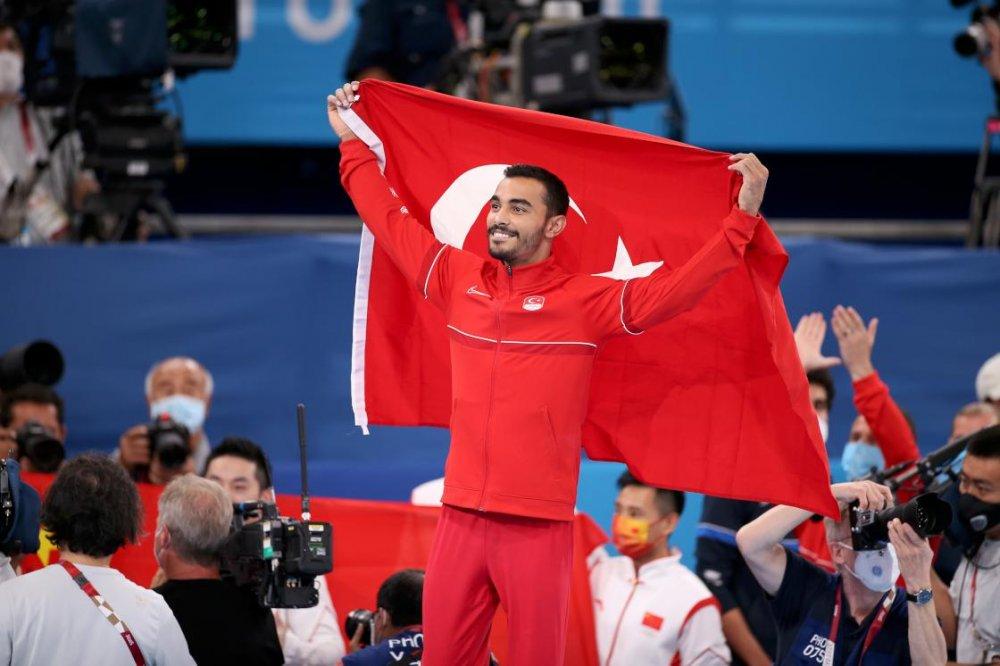 Milli cimnastikçi Ferhat Arıcan bronz madalya aldı
