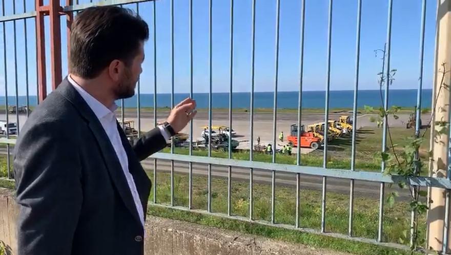 """Ahmet Kaya'dan sert havalimanı tepkisi! """"Çöken pist değil, AKP'nin yandaş kayırma zihniyetidir!"""""""