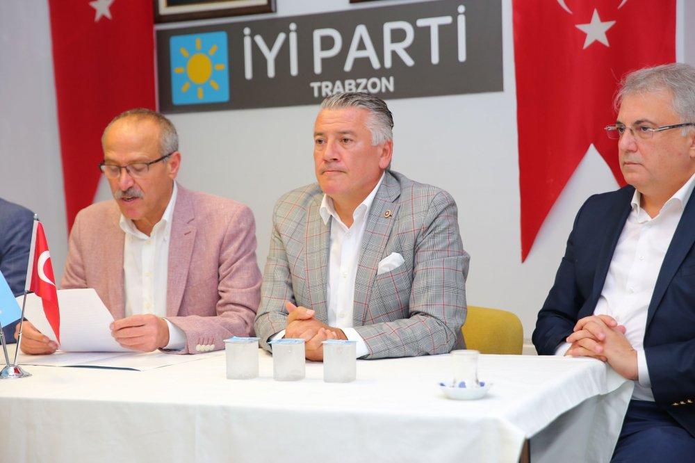 """İYİ Parti Trabzon'dan saldırı açıklaması! """"Korku dağlarını yıka yıka geliyoruz"""""""
