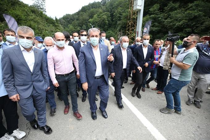 Destici Trabzon'da gündemi değerlendirdi