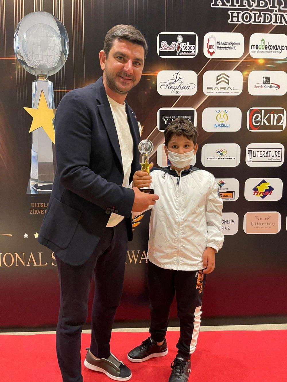 Semih Sarıalioğlu Türkiye 1'si oldu