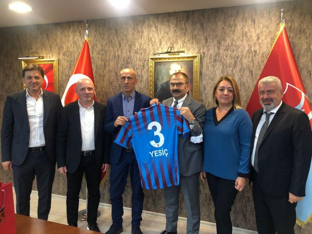 Trabzonspor'un eski futbolcusu Yesic kulübü ziyaret etti